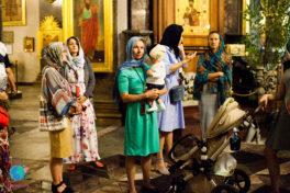 Мамаход вокруг Казанского собора