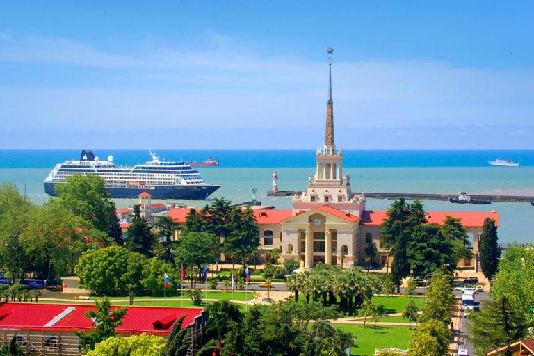 Мамаход-тур в Сочи: море, горы, весна!